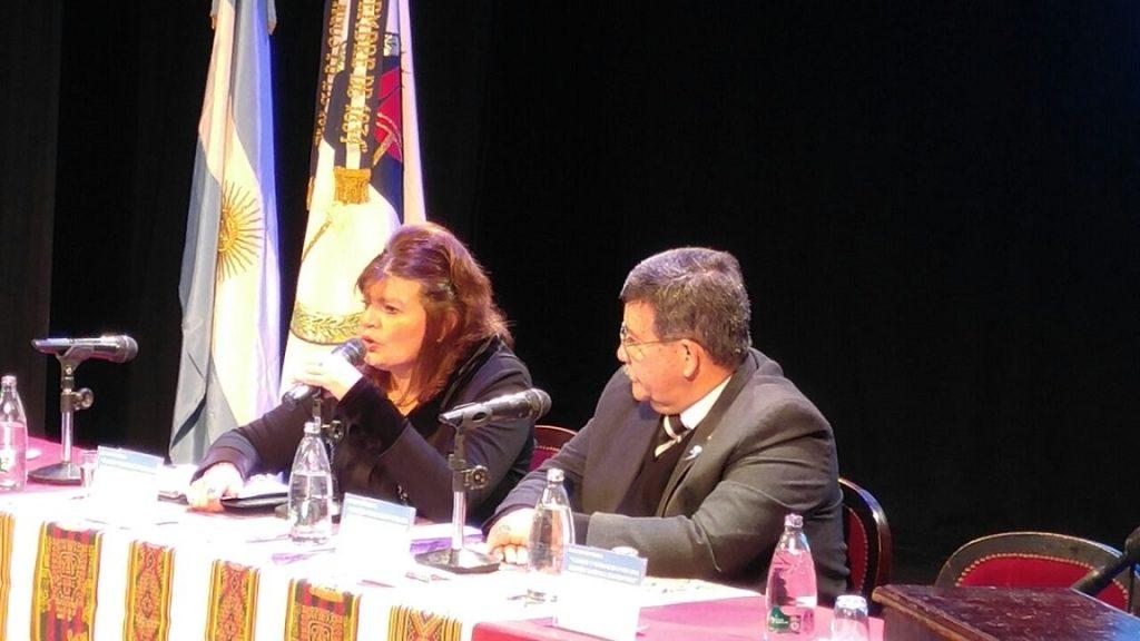 Los ministros María Inés Zigarán y Carlos Oehler.